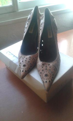 Vendo zapatoa y botas