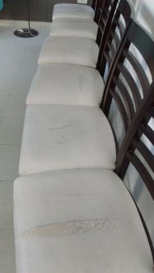 6 sillas de madera maciza en buen estado!