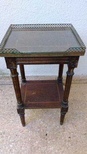 Antigua mesa telefonera estilo inglés