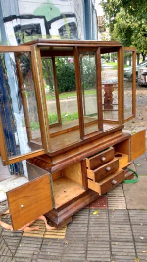 Antigua vitrina estilo art decó