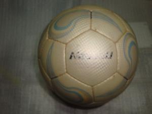 Pelota futbol sala nassau papi medio pique nº4 cosida 32 6987fa6df5865