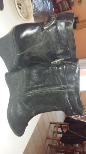 vendo zapatillas (impecables), botas de cuero NUEVAS