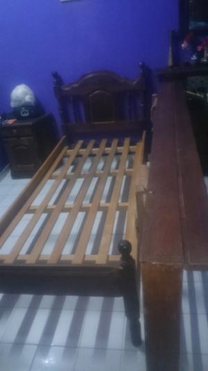 Vendo cama de algarrobo
