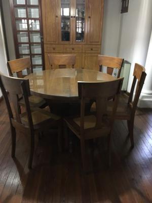 Vendo juego mesa con 6 sillas!!