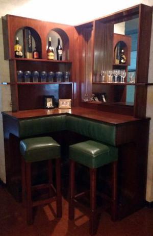 Bar De Madera De Cedro Con Detalles En Cuero