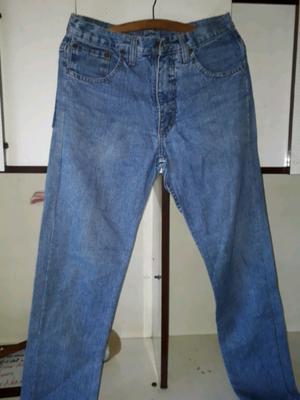 Pantalón de jeans levis. Hombre