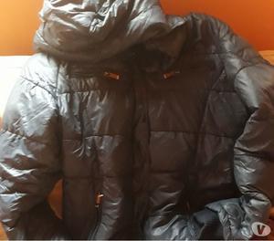 Vendo campera de abrigo azul con capuccha desmontabletalle L