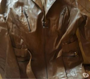 Vendo campera de cuero marrón talle 2