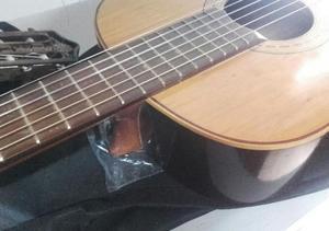 Guitarra FONSECA (Usadita) + ACCESORIOS NUEVO DE REGALO.