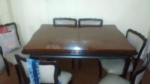 Juego de mesa y sillas estilo Luis 15