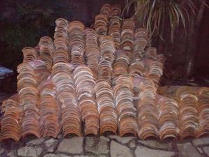Vendo tejas coloniales usadas.