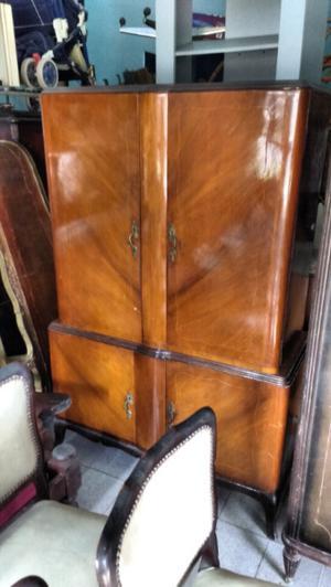 Antiguo aparador francés Con alzada desmontable