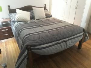 Vendo cama de algarrobo de 2 plazas.