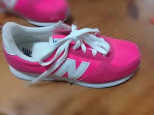 Zapatillas New Balance Nuevas!! SIN USO!! Talle 35.