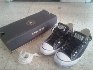 Zapatillas Converse numero , NUEVAS (SIN USO).