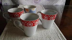 Set de tres tazas de loza, una de regalo