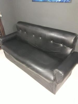 Juego de sillones negros 1 de 3 cuerpos y 2 de 1 cuerpo