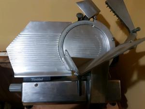 Maquina de cortar fiambre trindad muy poco uso solo uso