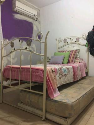 Urgente vendo cama marinera de hierro