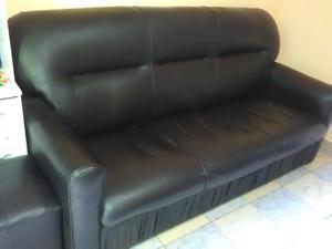 remato sofa de tres cuerpos