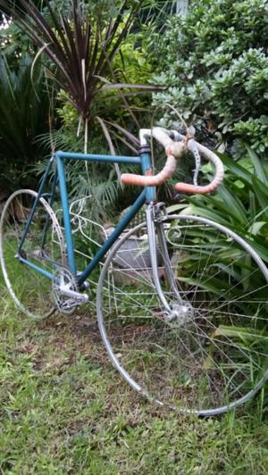 Bicicleta de carrera y pista