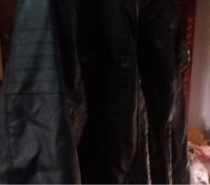 Campera cuero negra YD c corderito XL