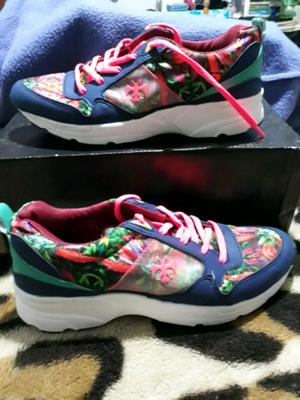 Hermosas zapatillas de mujer