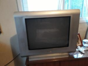 "Tv color sanyo 21"" C/control remoto"