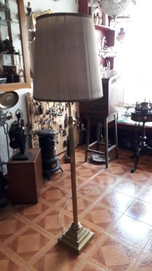 Antigua Lámpara De Pié En Bronce Estilo Ingles