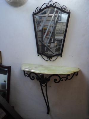 Antiguo dressoire con espejo. Antigua Saudade