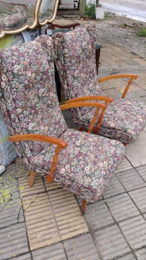 Antiguos sillones de estilo impecables