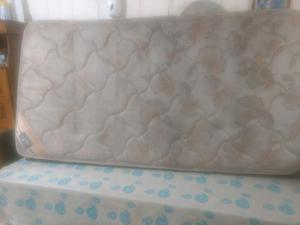 Colchón sommier de 1 plaza y media piero