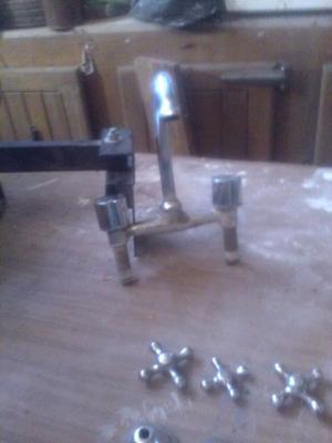 Grifería de mesada para reparar