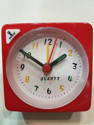 Reloj Despertador 4 Alarmas Con Luz