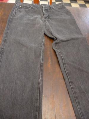 vendo pantalon jeans negro para hombre talla 44