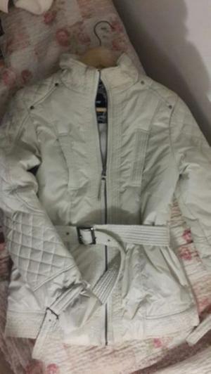 Campera inflable con abrigo - $ - talle S-M- Macrocentro