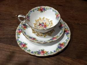 JUEGO 2 Tazas y 2 platos de te ó café MÁS 2 platos de