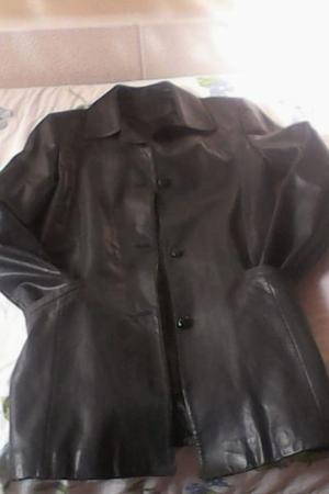 Vendo chaqueta larga de cuero mujer