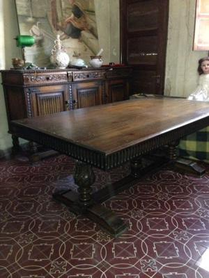 Juego de living, mesa de comedor de madera y8 sillas