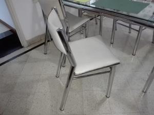 Juego de mesa y sillas simet vidrio y acero
