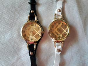 Reloj malla fina con detalles