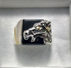 Joya anillo hombre caballo plata y oro