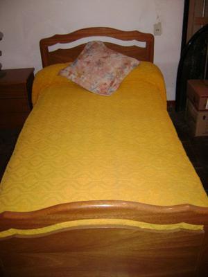 Juego de dormitorio de una plaza y media en guatambu