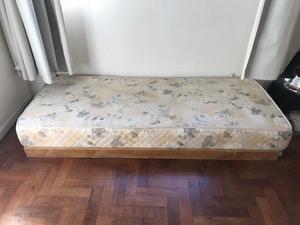 colchón de una plaza usado se retira por Palermo