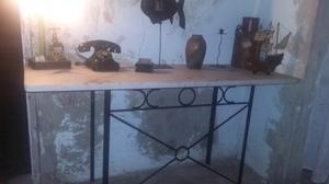 MESON antiguo de marmol carrara natural con base de hierro