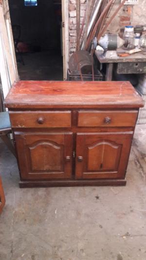 Mueble Antiguo De Madera y reliquia