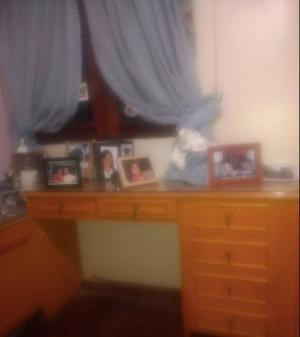 Mueble escritorio, mesa de luz y almacenaje.