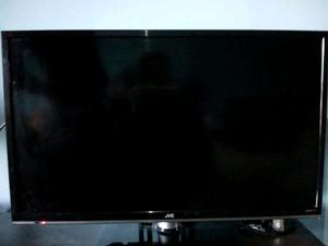 "Smart tv 32"" con soporte fijo."