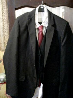 Vendo traje de hombre