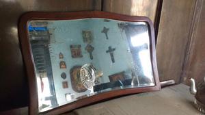 Antiguo espejo francés enmarcado en roble
